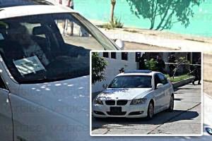 Acribillan a conductor de un BMW frente a una secundaria de Tuxtla