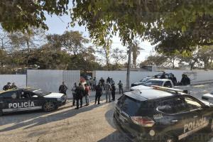 Balean a profesor fuera de una escuela primaria tras un asalto