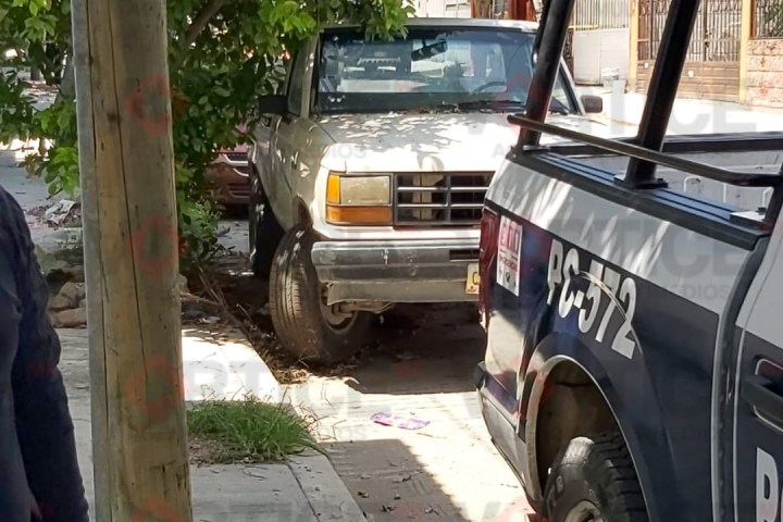 La muerte lo alcanzó mientras dormía debajo de una camioneta