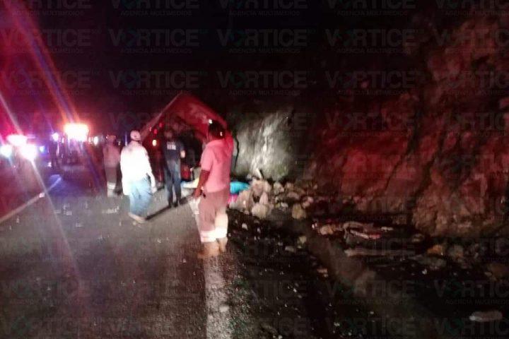 Carreterazo deja 13 muertos en Comitán; varios son menores