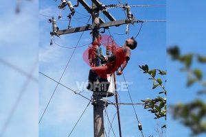 Por ganarse 100 pesos, joven trabajador muere electrocutado