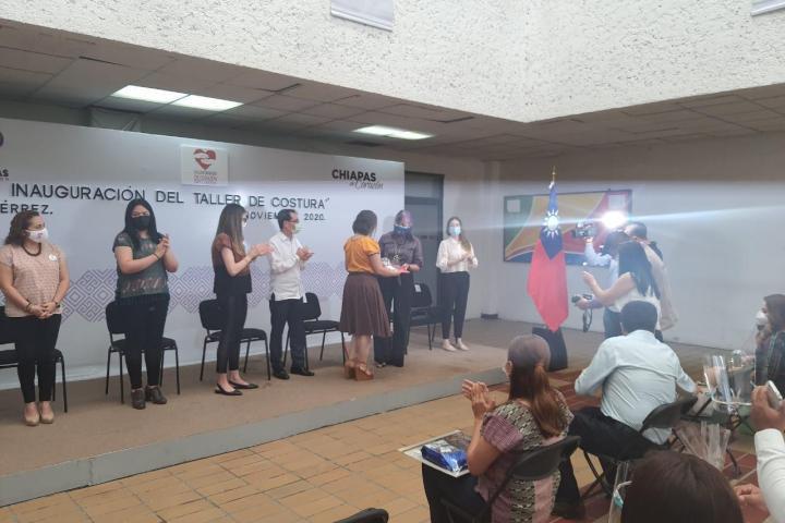 Reconoce Guadalupe Casanova acciones solidarias del Voluntariado de Corazón y Taipéi en Chiapas