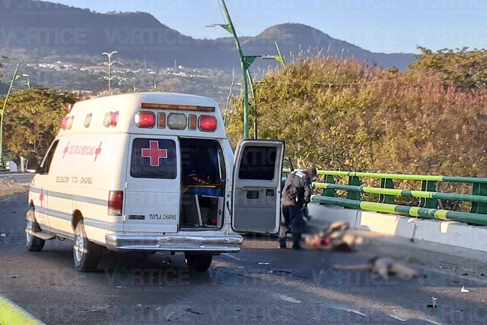 Muere adolescente tras impactarse contra un muro de contención
