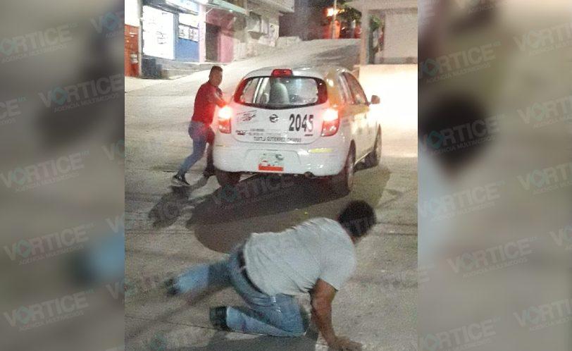 Taxista le propina golpiza a pasajero en Tuxtla