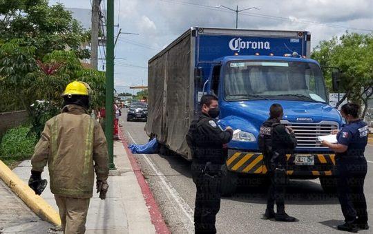 Muere joven talachero aplastado por un camión en Tuxtla