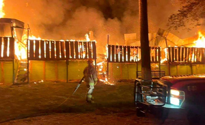 Se incendian 9 locales en las Grutas de Rancho Nuevo