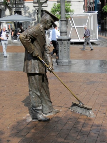 Street Cleaner, Madrid