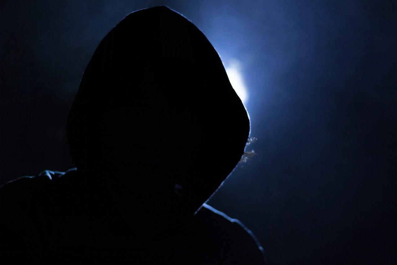 hacker-1725256_1920 (1)
