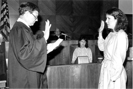 1983.06.10 Mimi Swearing In.Judge Davis