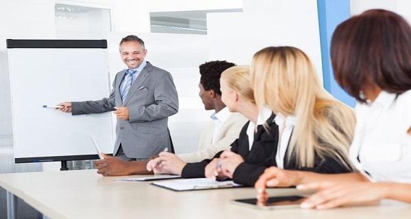 Comment se déroule une formation en reprise d'entreprise