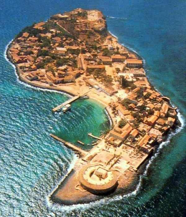 L'île de Gorée vue du ciel