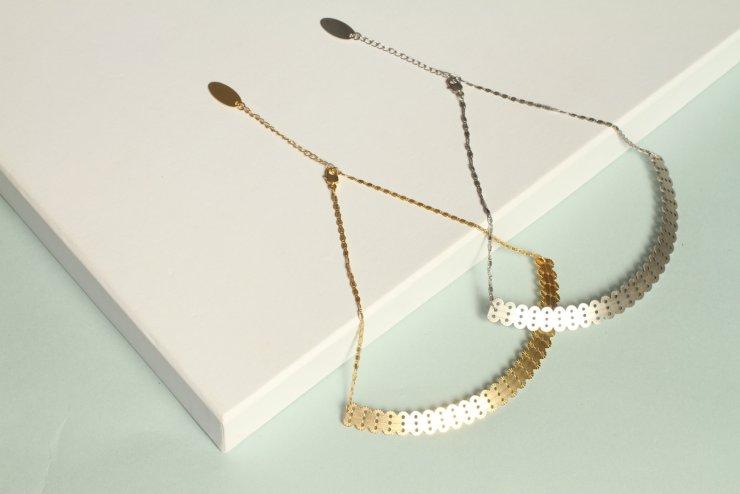 Collier pendentif long alma or pâle mat 3
