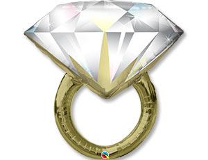 Фигура кольцо с бриллиантом
