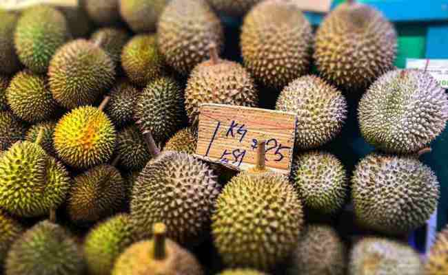 Eating Durian For The First Time In Singapore Best Time