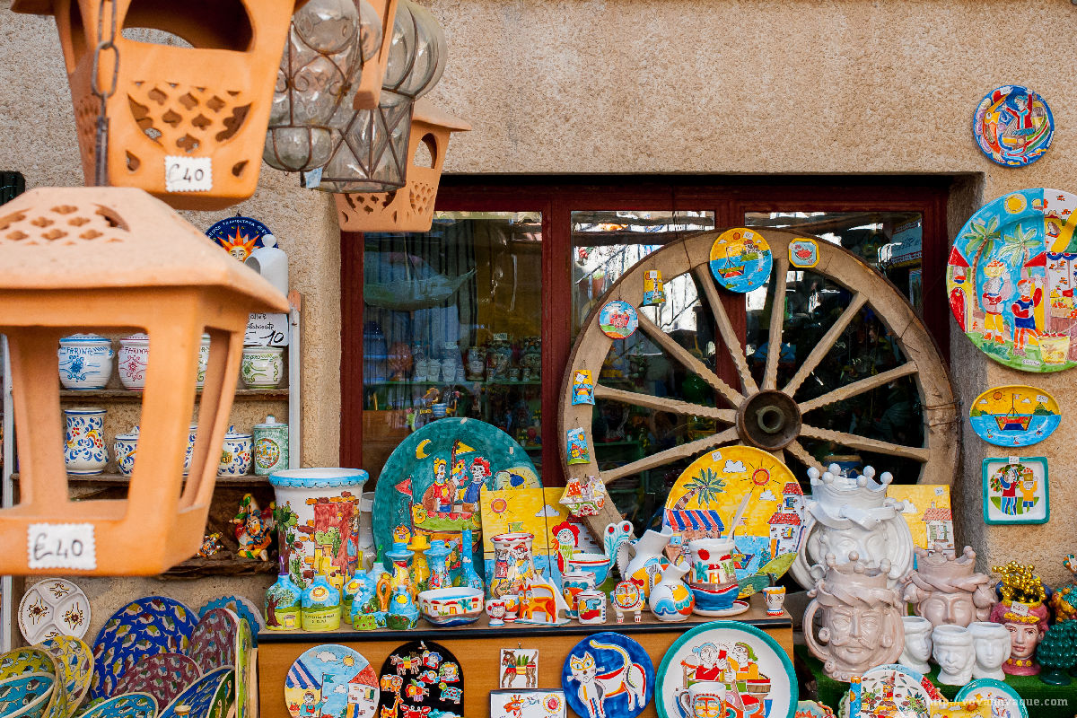 What souvenirs to buy in Sicily best gift shop in Erice