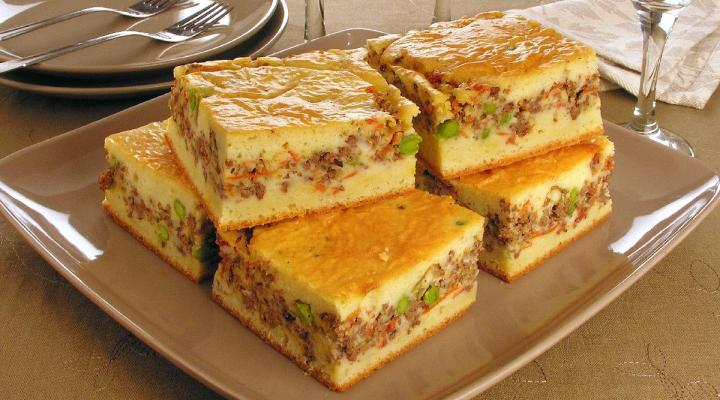Torta salgada de carne moída de liquidificador