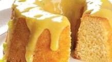 Bolo de limão com cobertura de chocolate branco