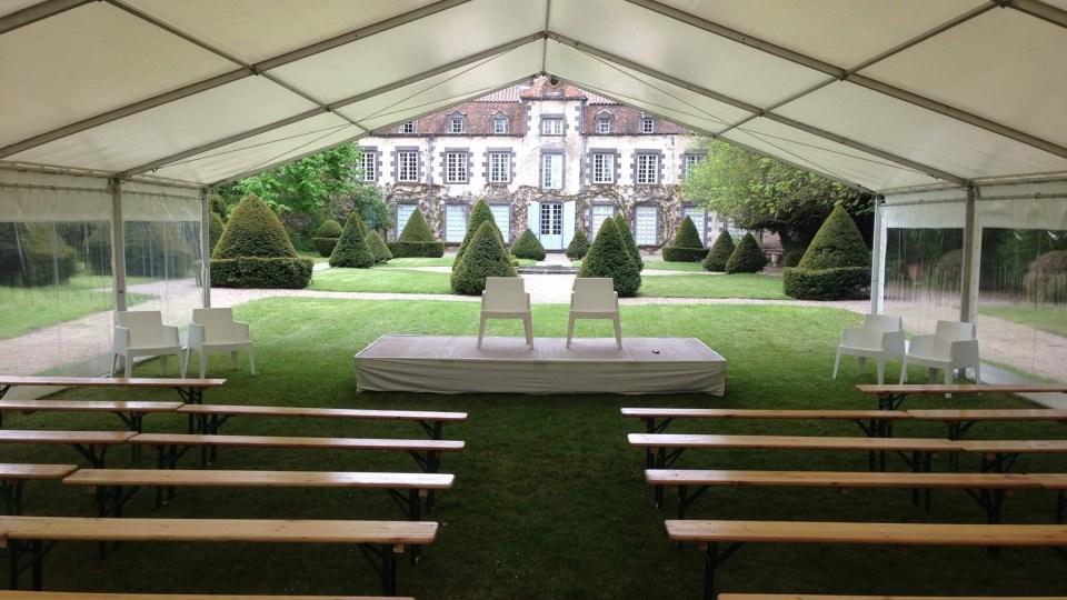 Tente et mobilier pour un mariage laïque