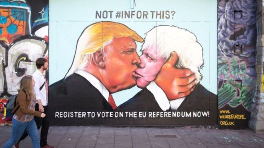 Boris and Donald wouldn't be the first couple to have a dodgy snog in a tricky part of town [Image: Getty.]