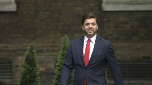 Stephen Crabb arriving in Downing Street on July 14 - to tender his resignation? [Image: BBC.]
