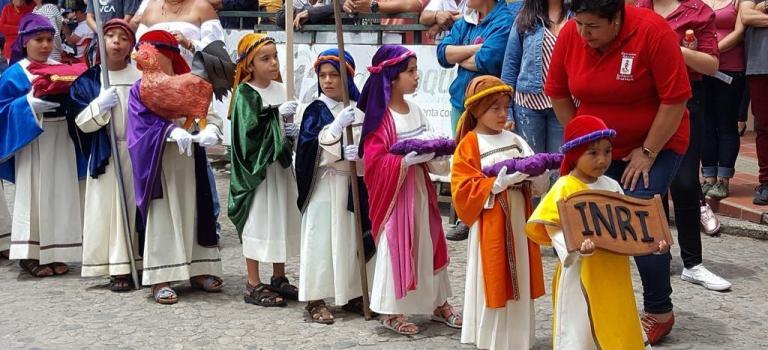 La semaine sainte en Colombie : entre piété chrétienne et péplum hollywoodien !