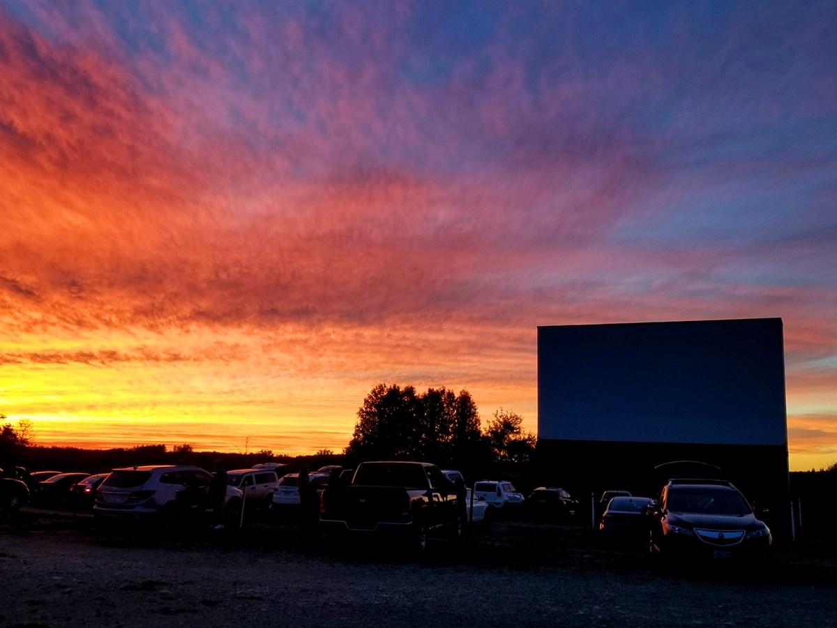 Mention de source de la photo du haut : Ciné-parc Mustang de Guelph