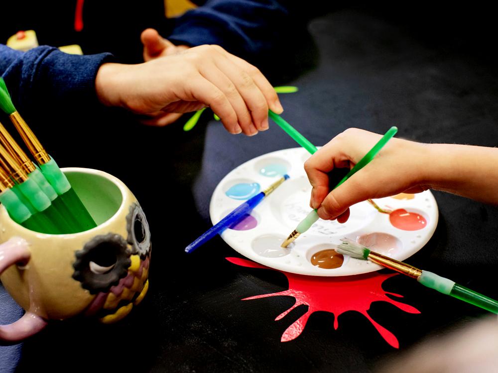 Duex enfants peinture