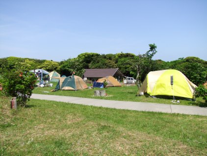 C'est la tente jaune
