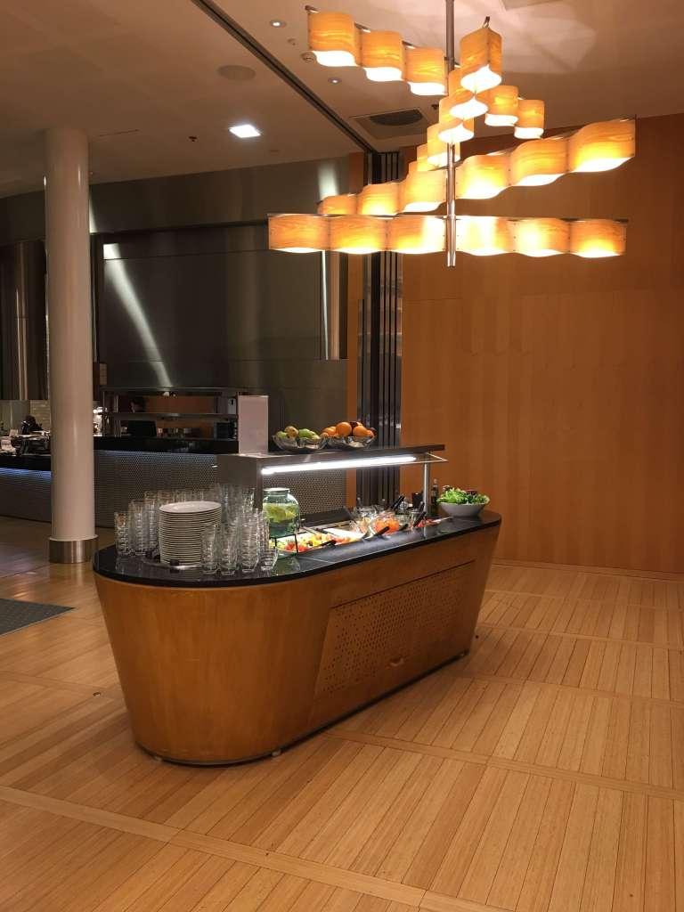 ヒルトン・ヘルシンキエアポート(Hilton Helsinki Airport)のWifiスピードチェック