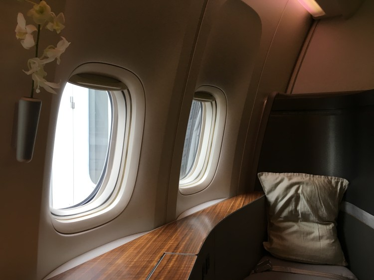First Class Review : CX549(HND – HKG)