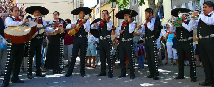 Gyphjolik au milieu des mariachis