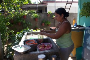 Leydis (CU) - Jaguey Grande, CUBA