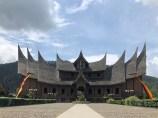 palais-minaugkau-sumatra