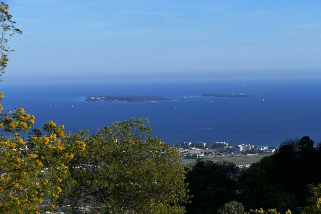 Les îles de Lérins depuis le massif de Tanneron
