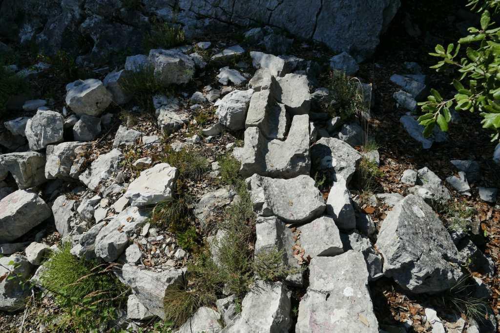 Courmes - canalisations du village de la Serre de la Madeleine