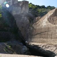 Le barrage détruit de Malpasset au nord de Fréjus