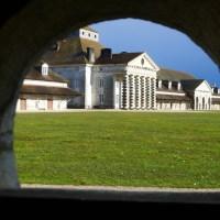 La saline royale d'Arc-et-Senans, l'usine ressemble à un palais!