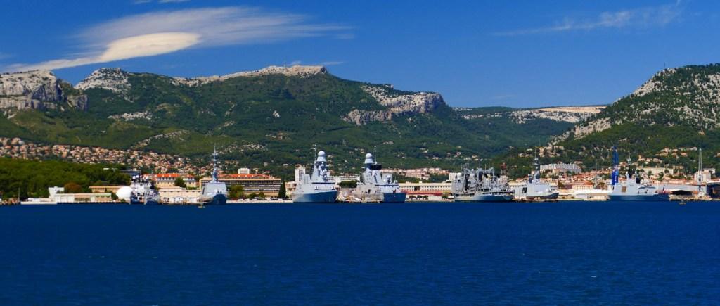 Rade de Toulon: les frégates de la Marine Nationale
