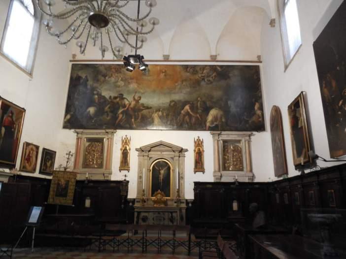 Intérieur de l'église San Stefano...