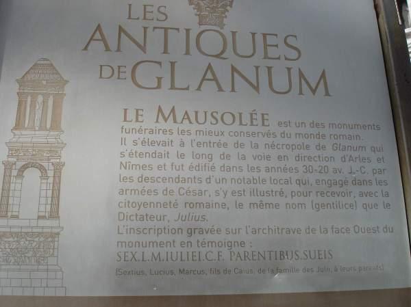 Saint-Rémy-de-Provence : plateau des Antiques et site archéologique de Glanum 1