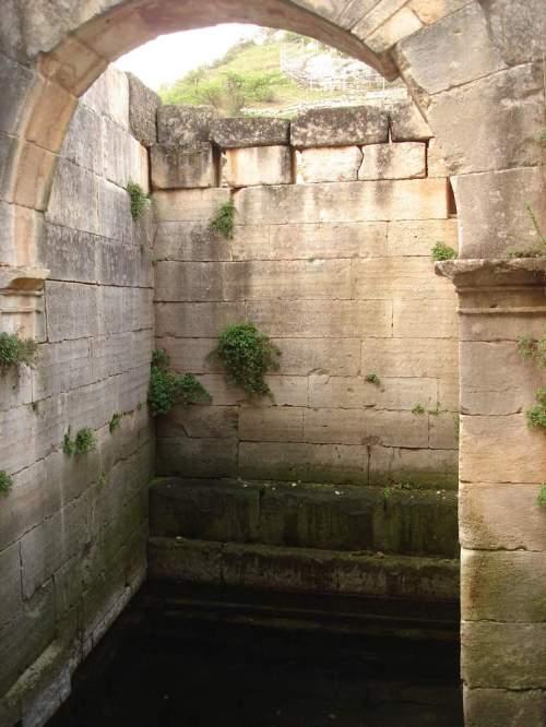 Saint-Rémy-de-Provence : plateau des Antiques et site archéologique de Glanum 15