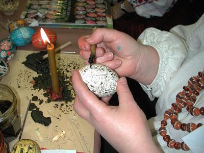 Pâques en Ukraine : L'art de la pyssanka; les œufs décorés artisanaux 4