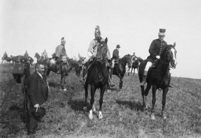 Franz Ferdinand d`Este und der Fotograf Rudolf Bruner-Dvořák beim Manöver in der Nähe von Strakonitz. Foto von Jaroslav Bruner-Dvořák. September 1905 (Quelle: Sammlung Scheufler)