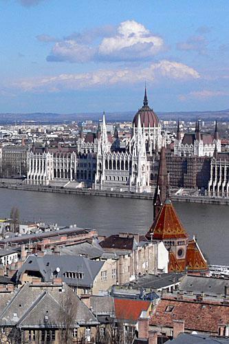 https://i0.wp.com/voyages.ideoz.fr/wp-content/plugins/wp-o-matic/cache/c079b_3407400-Budapest_Danube-Budapest.jpg?resize=333%2C500&ssl=1