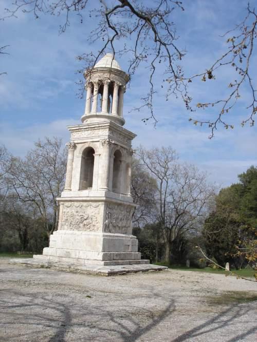 Saint-Rémy-de-Provence : plateau des Antiques et site archéologique de Glanum 21