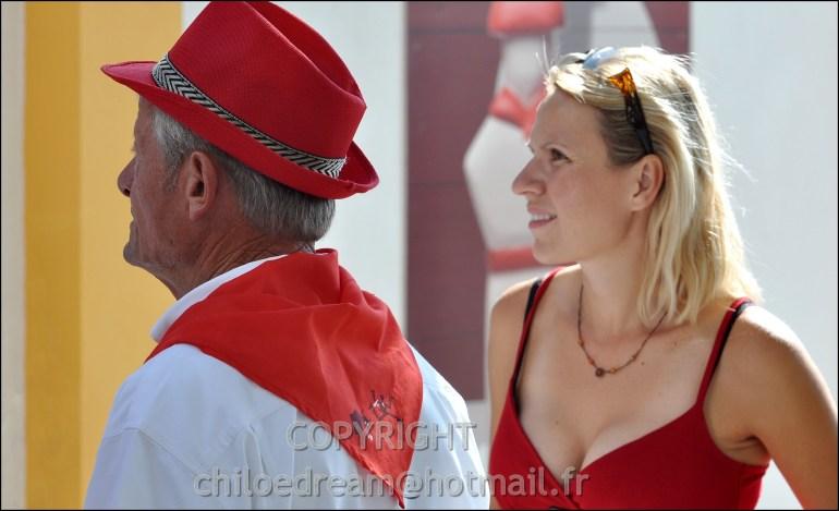 Voyage Pays Basque - Dax ; Corrida à cheval en rouge et blanc 20