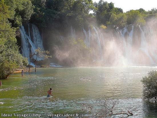 Kravice : lac et parc naturel de chutes en Bosnie-Herzégovine 9