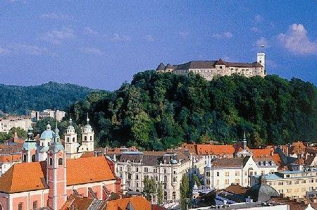 Ljubljana, château et vieille vilLe - Crédit photo : assoplanika.servhome.org