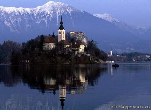Bled, la perle de la Slovénie occidentale ; un lac enchanteur dans les Alpes juliennes 5