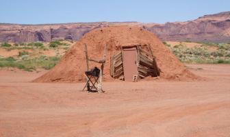 Un Hogan, habitation des Navajos